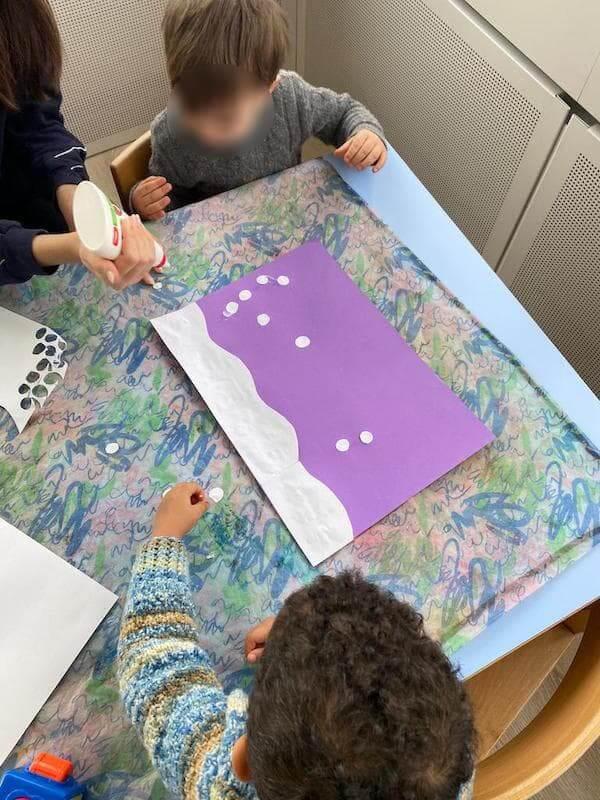 Wir basteln ein Winterbild - Kinderkrippe und Waldkinderkrippe Blüemli in Zürich Witikon